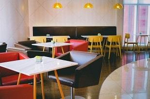 فضای داخلی رستوران